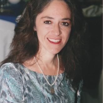 Dr. Eva María Perusquía Frías