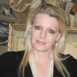 Prof Tess van der Merwe